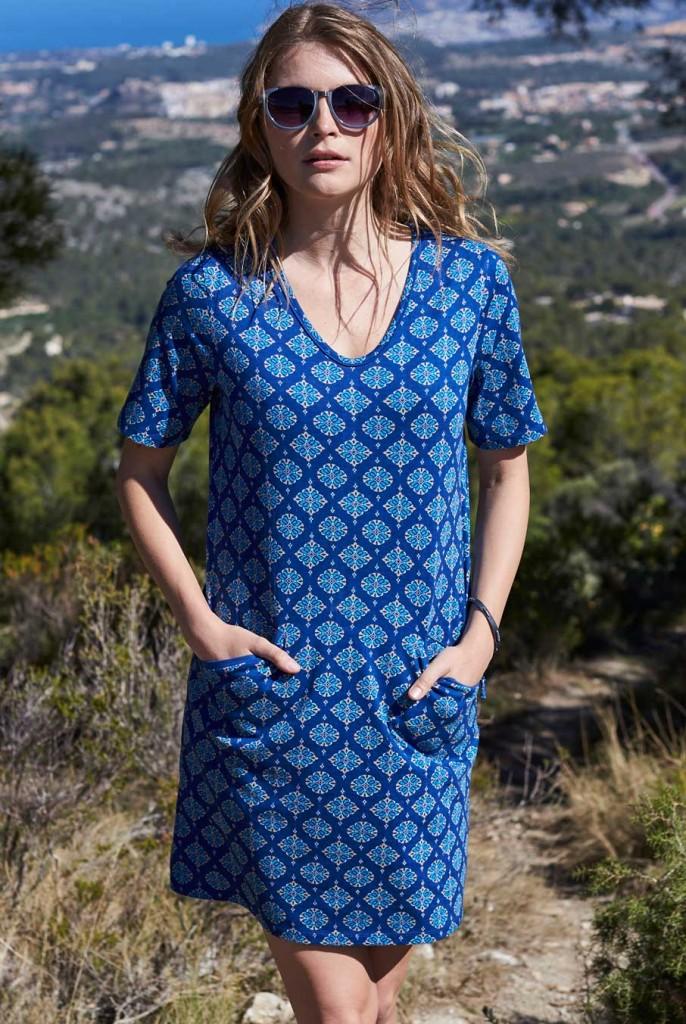 4c733d9055cb WIND dámská letní tunika ze 100% biobavlny - modrá indigo. 3 obrázky v  galerii