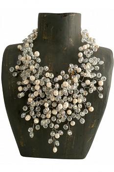 WHITE PEARLS náhrdelník s perlami a korálky