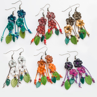 FLOWER kožené náušnice - různé barvy
