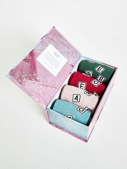 Dárková krabice - dámské bambusové ponožky - písmenkový mix