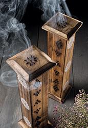 MANGO dřevěná věž na vonné tyčinky